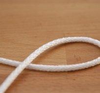 Šňůra kulatá oděvní PES 4 mm bílá