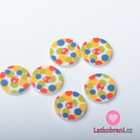 Knoflik potisk barevné puntíky na bílé