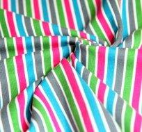 Úplet proužky šedá, modrá, růžová, zelená střídává s bílou