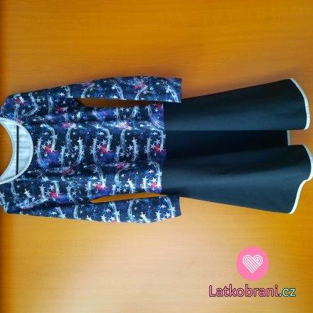 Dámské šaty s půlkolovou sukní