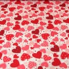 Bavlněný úplet červená srdíčka s puntíky