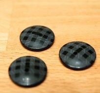 Knoflík černý kostkovaný 22mm