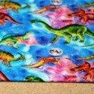 Teplákovina POČESANÁ dinosauři na duhovém podkladu