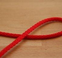 Šňůra kulatá oděvní PES 4 mm červená