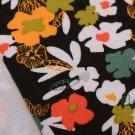Úplet potisk pestré květinky malované na černé