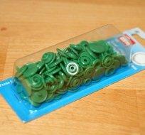Patentky plastové Color snaps zelené tmavé