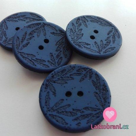 Knoflík s vyrytými lístečky tmavě modrý