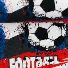 Úplet potisk letící fotbalové míče na barevných pruzích a kaňkách