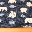 Bavlněný úplet medvěd polární s vločkami na modré