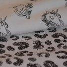 Úplet magický měnící černé tvary na bílé