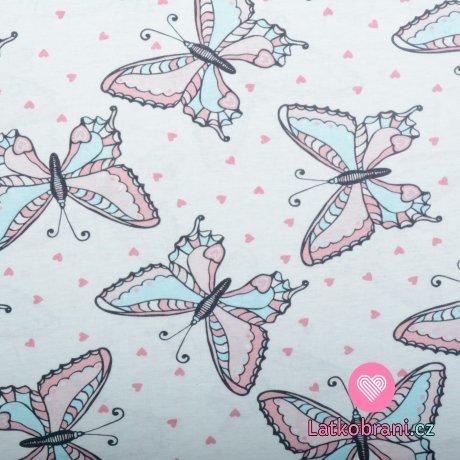 Bavlněný úplet motýlci v pastelových barvách na bílé