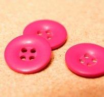 Knoflík hladký lesklý růžový fuchsie 24mm