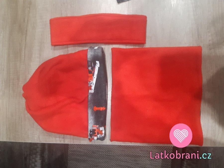 Čepice s otvorem na culík, nákrčník a čelenka
