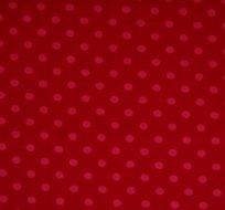 Úplet puntíky růžové na červené (střední)