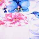 Teplákovina potisk kolibřík mezi květy na bílé