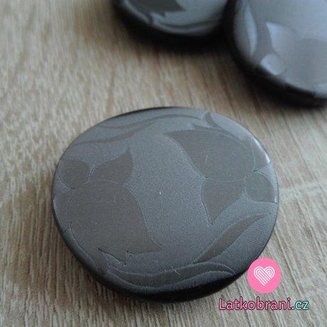 Knoflík kulatý černo - stříbrný s lesklými květy