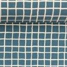 Teplákovina potisk kostička na modré