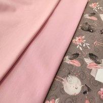 Zamilovaní ptáčci na růžové