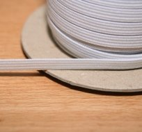 Pruženka plochá bílá 7 mm
