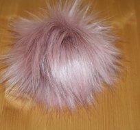 Bambule na čepici růžovo-fialková dlouhý chlup