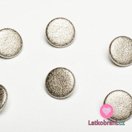 Knoflík kulatý stříbrný, větší