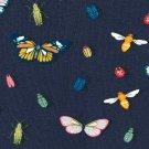 Úplet potisk vintage motýlci a broučci na tmavě modré