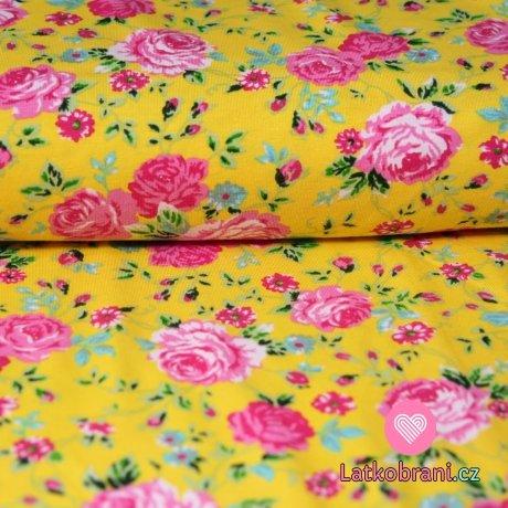 Úplet květy růží na medově žluté