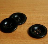 Knoflík hladký lesklý černý 24mm